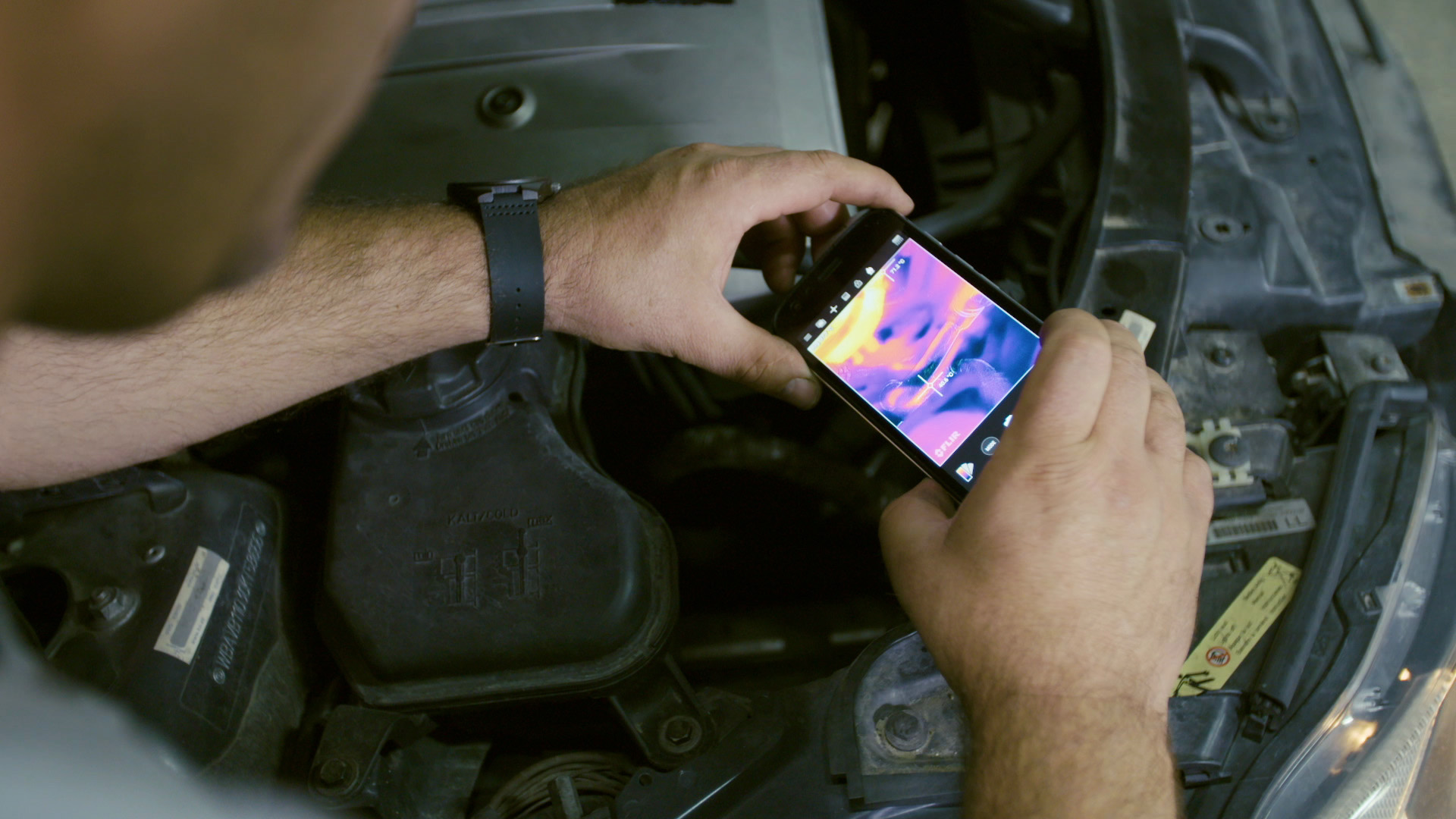 Using the thermal camera of the Cat S61 to see into car engine | Cat phones